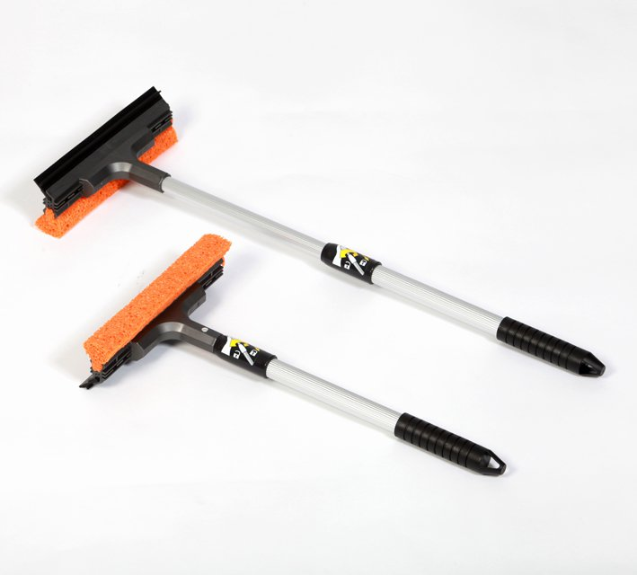 Scrub / Squeegee with telescopic handle 40 - 60 cm